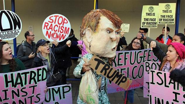 Söylemleriyle tepki çeken Trump protesto edildi