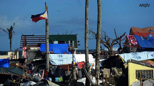 """Filipinler """"Melor"""" tayfununun etkisi altında"""