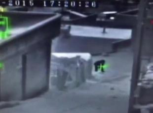 Teröristin vurulma anı kamerada