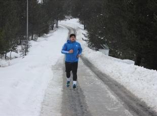 Olimpiyatta altın madalya hedefi, kar kış dinlemiyor
