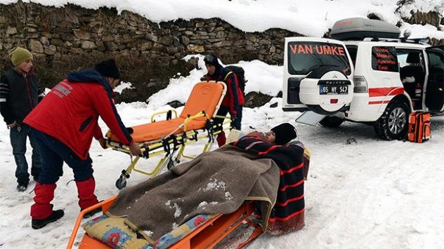 Yaralanan çocuğu hastaneye ulaştırmak için seferber oldular