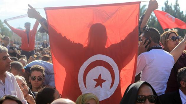 Tunusta devrim 5inci yılında