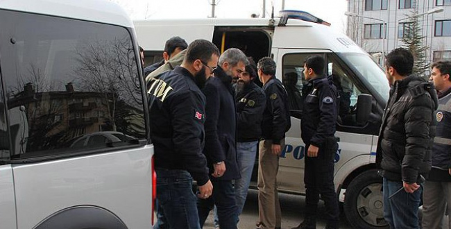 Afyonkarahisardaki DAİŞ operasyonunda 3 kişi tutuklandı