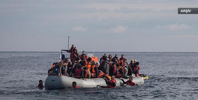 Ege Denizi'nde mültecileri taşıyan tekne battı: 5 kişi öldü!