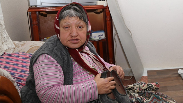 Engelli kadın Türkmenlere kara lastiklerini bağışladı
