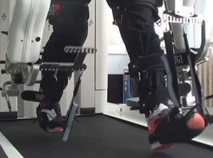 Robotla beyne tekrar yürümeyi öğretiyorlar