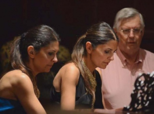 Piyanist Ferzan ve Ferhan Önder kardeşler, klasik müzikseverlere konser verdi