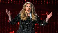 İngiliz şarkıcı Adeleden Trumpa izin çıkmadı