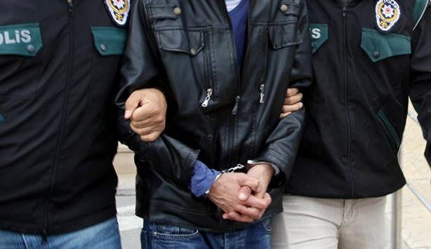"""Hakkaride 3 kişi """"terör örgütüne üye"""" olma suçundan tutuklandı"""