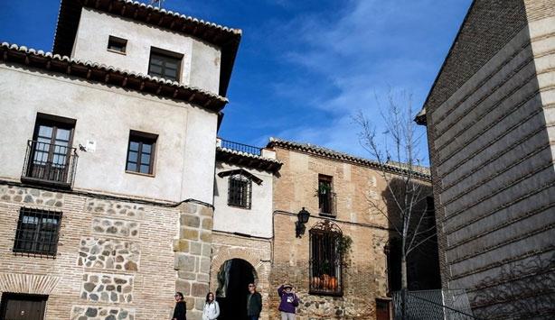 """Birlikte yaşama örnek gösterilen """"3 Kültür ve Tolerans Şehri"""" Toledo"""