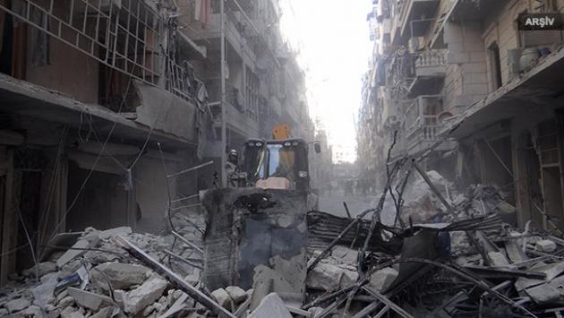 Rus uçakları sivil yerleşimleri bombaladı