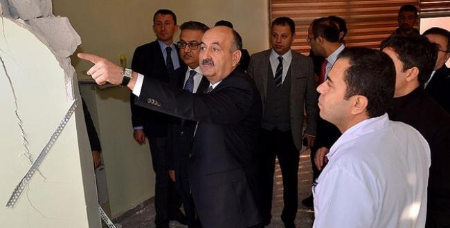 Bakan Müezzinoğlu Cizrede sağlık ekibiyle görüştü