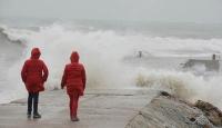 İzmirde deniz ulaşımına hava muhalefeti