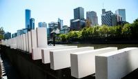 Avustralyada 2 kilometrelik domino gösterisi