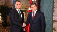 Başbakan Davutoğlu, medya yöneticileriyle görüştü