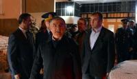 Milli Savunma Bakanı Yılmaz, şehit ailesini ziyaret etti