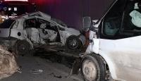 Ümraniyede trafik kazası: 2 ölü, 3 yaralı