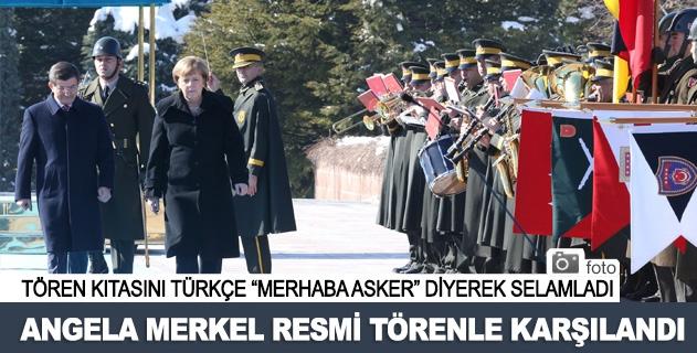 Başbakan Davutoğlu Merkeli resmi törenle karşıladı