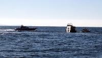 Göçmenleri yıpranmış tekneye bindirmek istediler