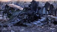 Pakistanda askeri eğitim uçağı düştü: 2 ölü
