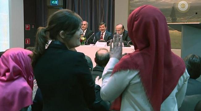 Başbakan Davutoğlundan işitme engelli genç kıza destek sözü
