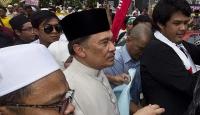 Malezyada muhalefet lideri hapiste bir yılını doldurdu