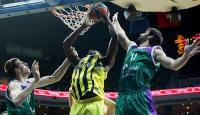 Fenerbahçe yenilgisizliğini korudu