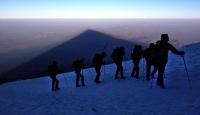 Ağrı Dağına tırmanan turist kayboldu