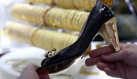 """23 bin liralık """"altın ayakkabı"""" ilgi çekiyor"""