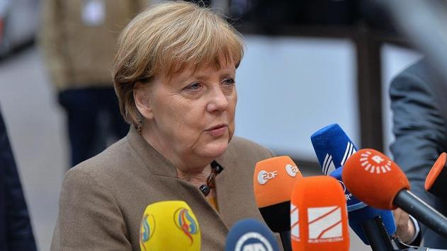 Merkelden ABDye ek vergi çağrısı: AB görüşmeye hazır