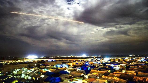 Azezdeki PYD mevzileri Fırtına obüsleriyle vuruluyor