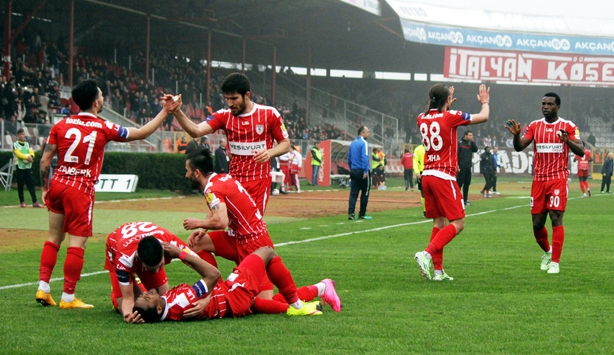 Samsunspor 3 maçta 9 puan topladı