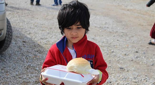 Makedonya ve Almanyadan sığınmacılara yardım