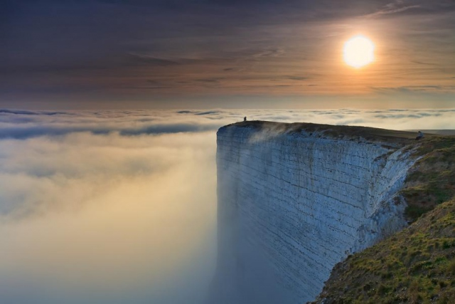 2. Beachy Head, İngiltere