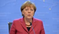 Merkel: Türkiye örnek olacak şeyler yaptı
