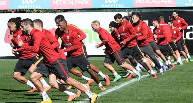 Galatasarayda derbi mesaisi başladı