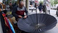 40 yıldır şemsiye tamir ediyor