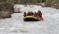 Üniversitelilerin rafting heyecanı