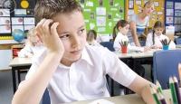 Ergenlik dönemi çocuk için stres kaynağı