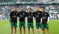 Bursasporlu futbolcular Bursadaki terör saldırısını protesto etti