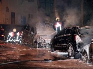 Fatihte 6 araç kundaklandı