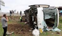 İran plakalı yolcu otobüsü Erzurumda devrildi