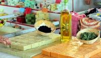 Zeytinyağından 20 çeşit sabun üretiyor