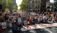 Avustralyanın mülteci politikası protesto edildi