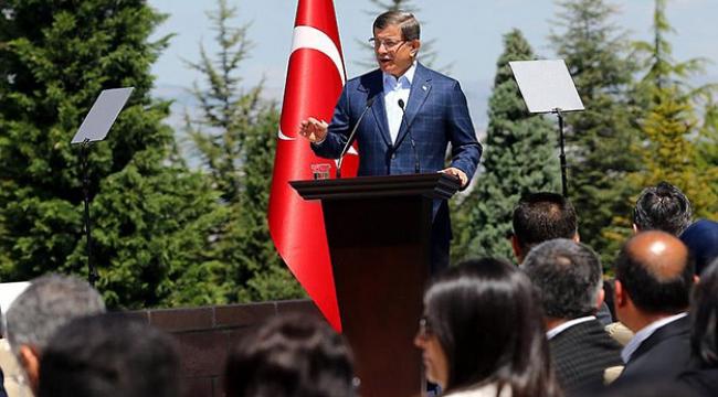 Başbakan Davutoğlu, Çankaya Köşkünde işçilerle buluştu