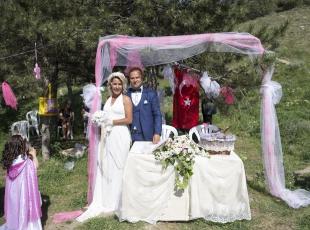 Düğünü barınakta yaptılar