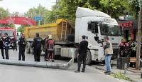 Bağdat Caddesinde hafriyat kamyonu dehşet saçtı