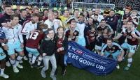 Burnley yeniden Premier Ligde
