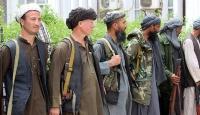 17 Taliban üyesi silah bırakıp teslim oldu