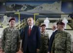 Cumhurbaşkanı Özel Kuvvetler Komutanlığını ziyaret etti